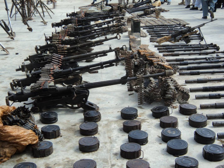 Waffenarsenal Waffenarsenal |  Bild: © ISAF Headquarters Public Affairs Office - Wikimedia Commons