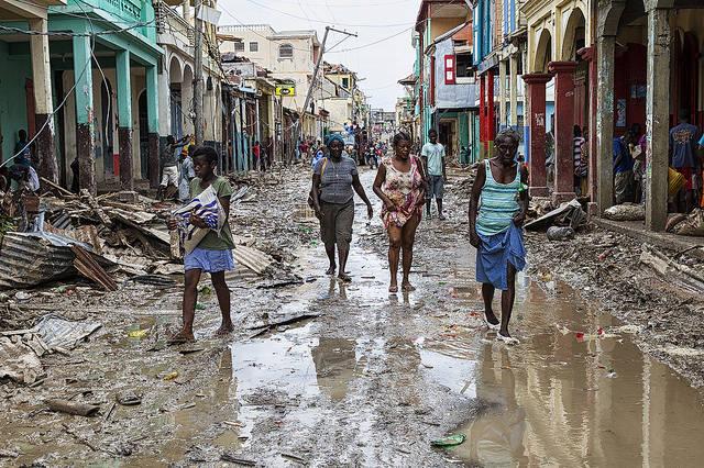"""Haiti nach dem verheerenden Sturm """"Matthew""""  Bild: ©  United Nations Photo [CC BY-NC-ND 2.0]  - Flickr"""