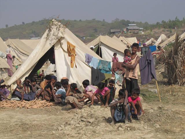 Rohingya Flüchtlinge Ein Flüchtlingslager für vertiebene Rohingya  | Bild: © European Comission DG ECHO [CC BY-NC-ND 2.0]  - Flickr