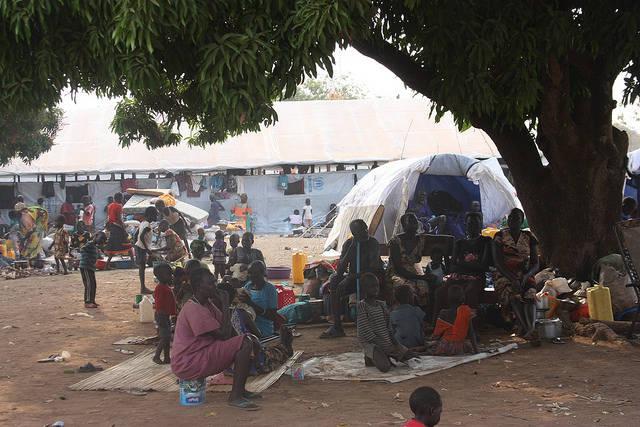 Südsudanesische Flüchtlinge in Uganda Über 1,8 Millionen Südsudanesen sind seit dem Bürgerkrieg aus ihrer Heimat geflohen. |  Bild: © European Commission DG ECHO [CC BY-NC-ND 2.0]  - Flickr
