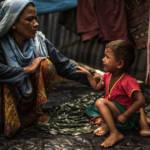 Rohingya in Bangladesch Soldaten aus Myanmar sollen Frauen und Mädchen missbraucht, Dörfer umstellt, Gebäude in Brand gesetzt und auf fliehende Menschen geschossen haben. | Bild (Ausschnitt): © CAFOD Photo Library [CC BY-NC-ND 2.0] - Flickr