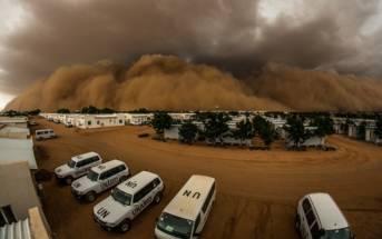 Habub Sudan Sand- und Staubstürme häufen sich im Nahen Osten und könnten die Lebensumstände der Bewohner der Region deutlich verschlechtern. | Bild: © UNAMID [CC BY-NC-ND 2.0]  - Flickr