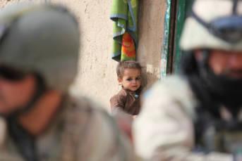 42 Prozent der Opfer die durch Attentate getötet wurden sind Frauen und Kinder   Bild: ©  DVIDSHUB [CC BY 2.0]  - Flickr