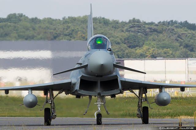 Eurofighter Typhoon: In Großbritannien unter Verwendung deutscher Bauteile gefertigt und nach Saudi-Arabien verkauft. | Bild: © Clément Alloing [CC BY-NC-ND 2.0]  - Flickr