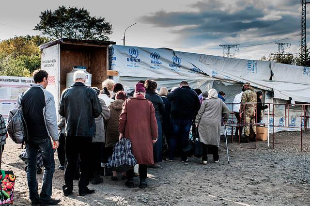 IDPs in Donbas Winter 2017 UNHCR: mittlerweile 1,85 Millionen Binnenvertriebenen in der Ukraine    Bild: © Roberto Maldeno [CC BY-NC-ND 2.0]  - Flickr