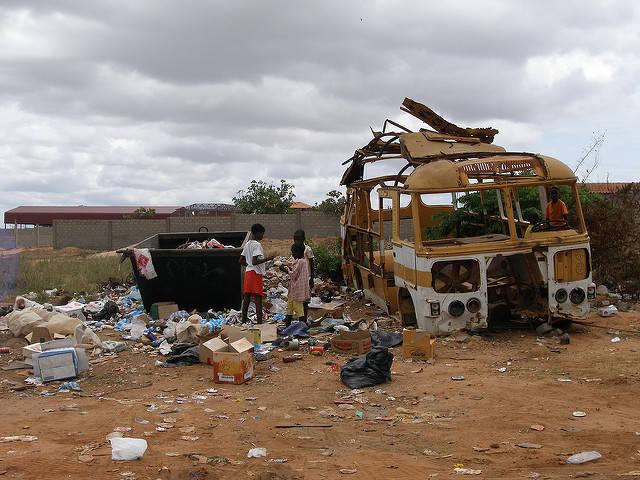 Afrika gilt als eines der ärmsten Länder der Welt. |  Bild: ©  wilsonbentos [CC BY-NC-ND 2.0]  - flickr