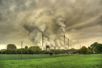 Kohlekraftwerk in Gelsenkirchen Die Verbrennung fossiler Energieträger macht in der EU rund 50% der Emissionen aus |  Bild: ©  Guy Gorek [CC BY-NC-ND 2.0]  - flickr.com