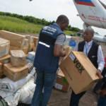 Verteilung von Hilfsgütern im Kongo Da das Ebola-Virus erstmalig in der Konflikt-Region Nord-Kivu auftritt, werden es internationale Organisationen schwer haben, die Bevölkerung ausreichend mit Hilfslieferungen zu versorgen | Bild (Ausschnitt): © MONUSCO [CC BY-SA 2.0] - flickr