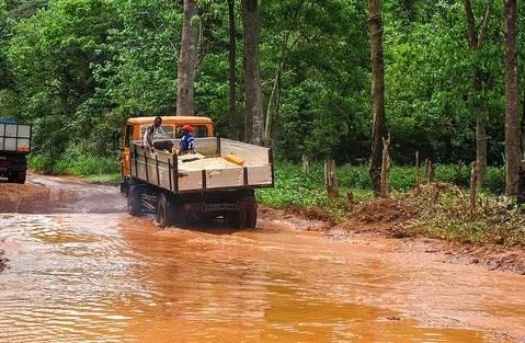 Sierra Leone Immer häufiger haben Fluten in Sierra Leone kathastrophale Ausmaße    Bild: ©  jbdodane [CC BY-NC 2.0]  - flickr