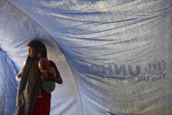 Eine somalische Frau mit ihrem Baby in einem Flüchtlingscamp des UNHCR Eine somalische Frau mit ihrem Baby in einem Flüchtlingscamp des UNHCR |  Bild: © United Nations Photo [CC BY-NC-ND 2.0]  - flickr