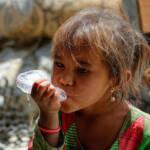 Mehrere Milliarden Menschen haben keinen dauerhaften Zugang zu sauberem Trinkwasser und sicheren Sanitäranlagen | Bild (Ausschnitt): © Riccardo Maria Mantero [CC BY-NC-ND 2.0] - flickr