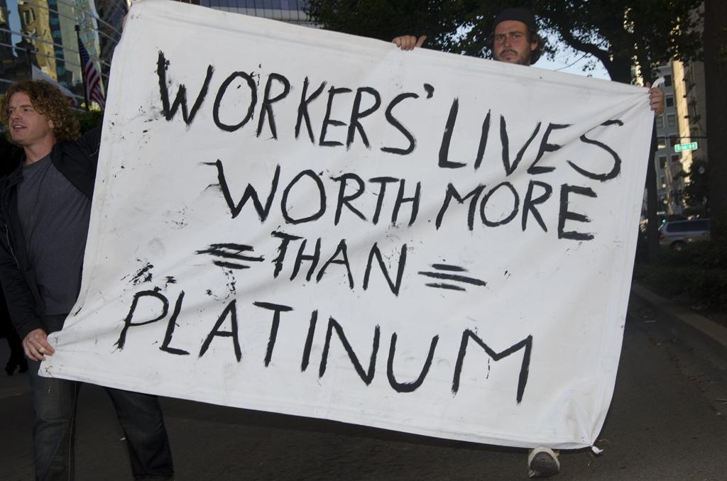 Proteste aus Solidarität mit den erschossenen Bergleuten in Südafrika.
