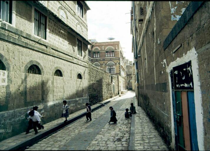 Vor allem Kinder sind vom Jemenkrieg betroffen. Seit 2015 sind bereits über 80 000 Kinder unter fünf Jahren verhungert.    Bild: © Micharl Rung [CC BY-NC 2.0]  - Flickr