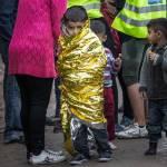 Kleiner Junge kurz nach seiner Ankunkft auf Lesbos | Bild (Ausschnitt): © Charles-André Habib [CC BY-NC-ND 2.0] - flikr